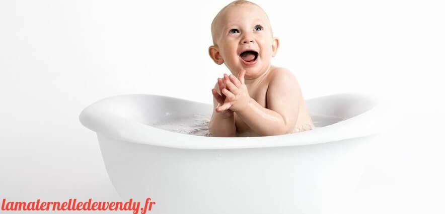 Baignoire bébé sur pied avec tuyau de vidange